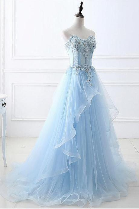 Eye-catching Tulle Sweetheart Neckline A-line Prom Dresses With Lace Appliques & Beadings 18LF49
