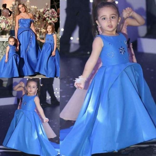 Blue Satin A-Line Flower Girls Dresses 2019 Jewel Sleeveless Beaded Unique Design Girls Pageant Dresses With Train